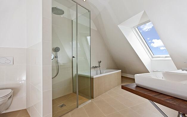 Gestaltungstipps für Ihr Badezimmer unterm Dach